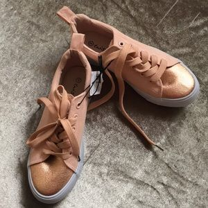 Other - Girls sneakers,  color salmon.
